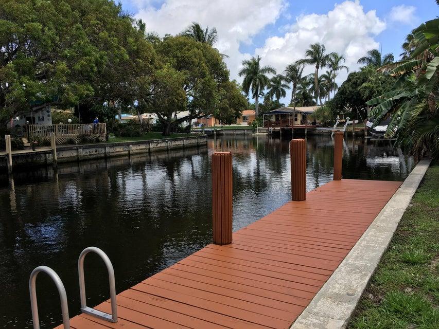 5811 NE 14th Road 5, Fort Lauderdale, FL 33334