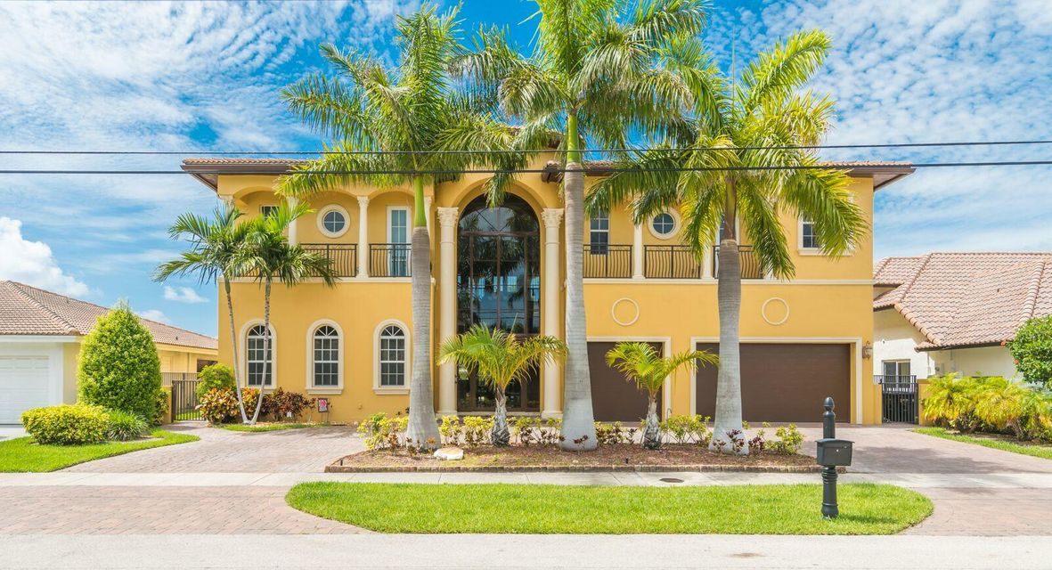 Casa Unifamiliar por un Venta en 2810 NE 47th Street 2810 NE 47th Street Lighthouse Point, Florida 33064 Estados Unidos