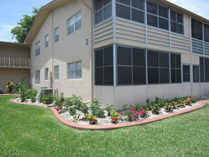 Coopérative / Condo pour l Vente à 84 Canterbury D West Palm Beach, Florida 33417 États-Unis