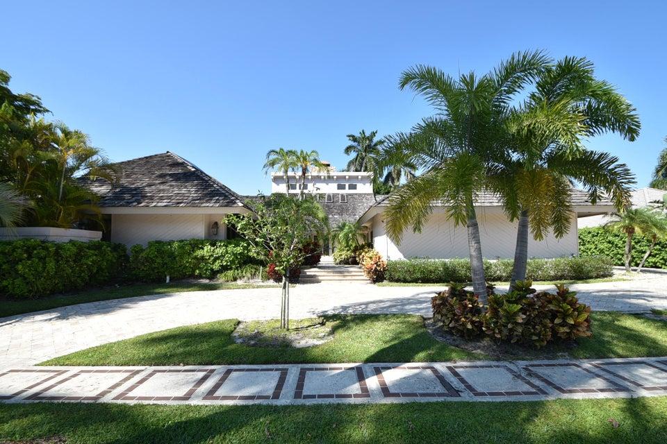 19646 Oakbrook Circle, Boca Raton, FL 33434