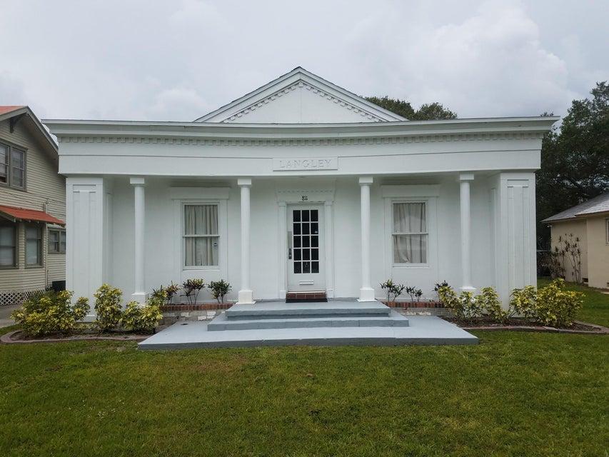 Oficinas por un Alquiler en Address not available Fort Pierce, Florida 34950 Estados Unidos