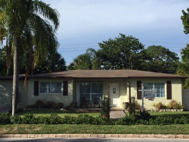 Single Family Home for Sale at 3502 Lake Osborne Drive 3502 Lake Osborne Drive Lake Worth, Florida 33461 United States