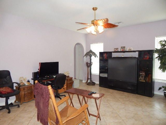 Additional photo for property listing at 100 N Country Club Boulevard 100 N Country Club Boulevard Atlantis, Florida 33462 Estados Unidos
