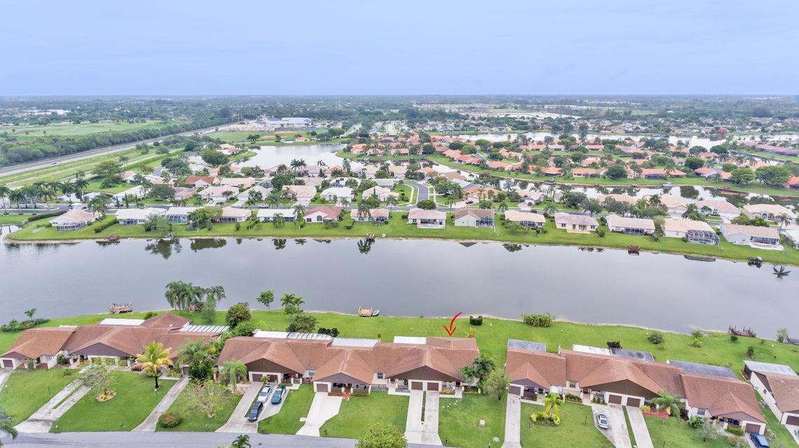 8507 Lake Point Court, Lake Worth, FL 33467