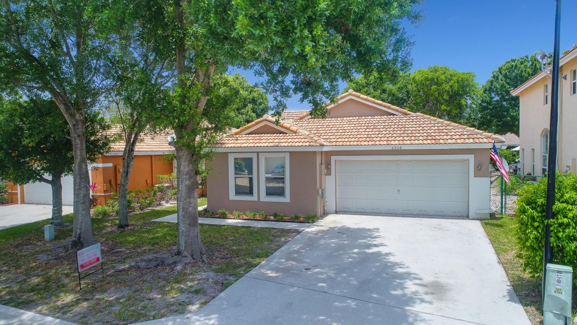 6268 Willoughby Circle, Lake Worth, FL 33463