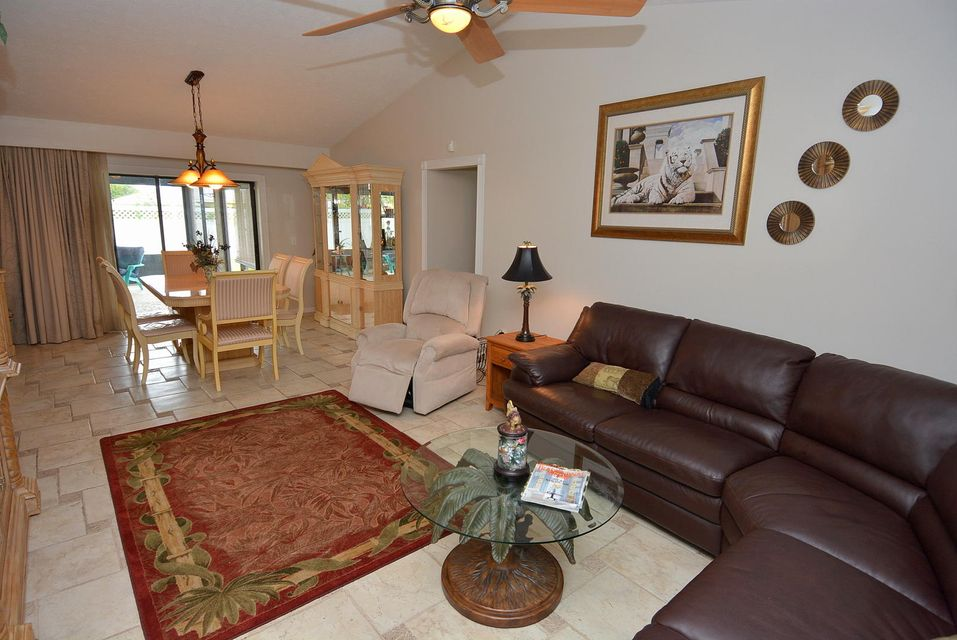 Additional photo for property listing at 8141 SE Royal Street 8141 SE Royal Street Hobe Sound, Florida 33455 United States