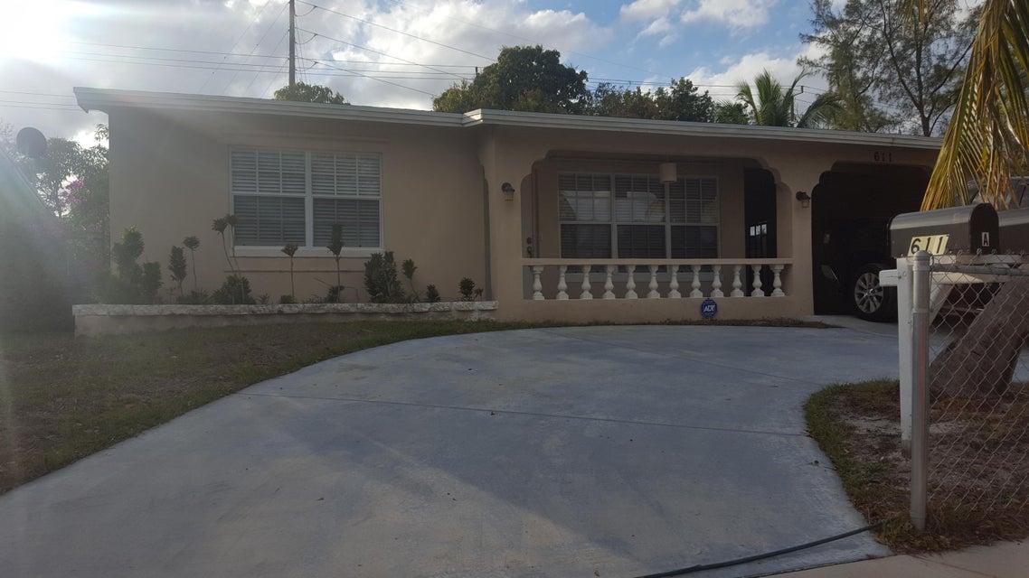 611 S Pine Street, Lake Worth, FL 33460