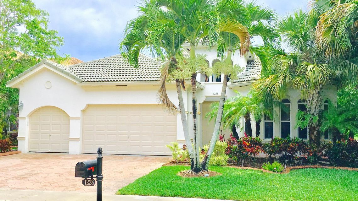1228 Creekside Drive  Wellington, FL 33414