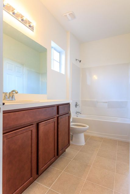 Additional photo for property listing at 3638 NW 29th Court 3638 NW 29th Court Lauderdale Lakes, 佛罗里达州 33311 美国