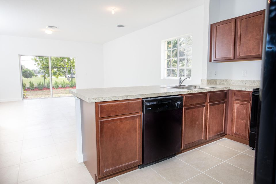 Additional photo for property listing at 3638 NW 29th Court 3638 NW 29th Court Lauderdale Lakes, Florida 33311 United States