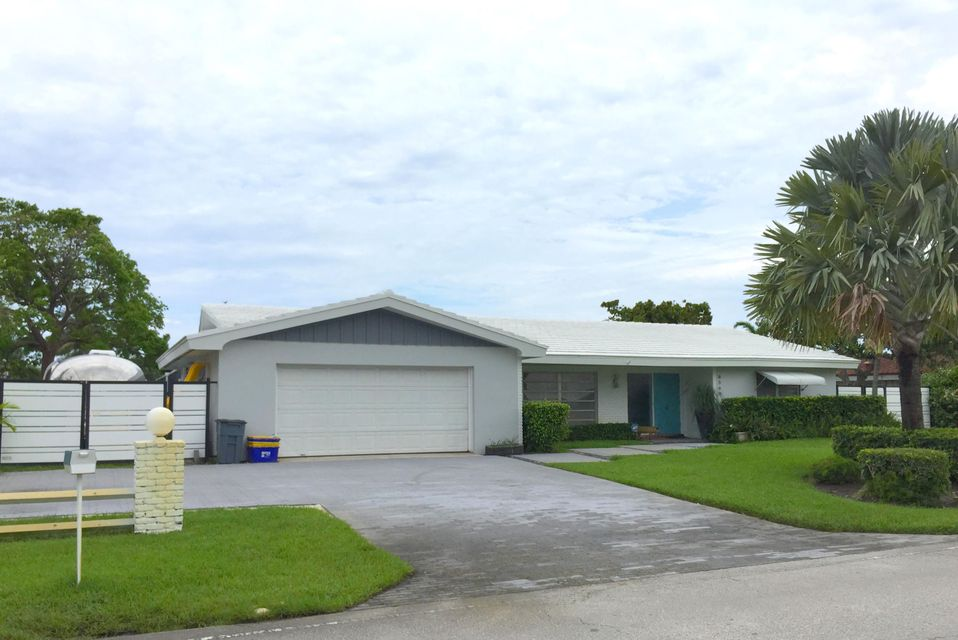 8360 W Lake Drive, West Palm Beach, FL 33406
