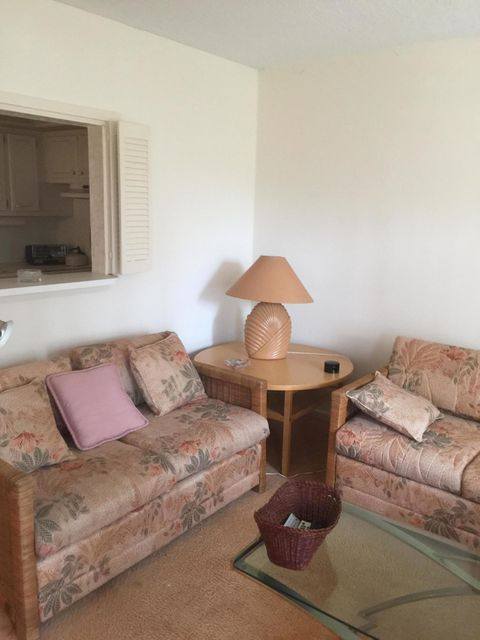 Additional photo for property listing at 87 Canterbury D  West Palm Beach, Florida 33417 États-Unis