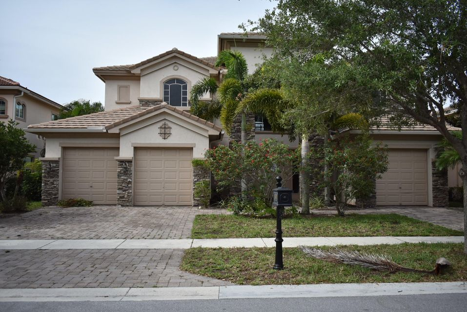 واحد منزل الأسرة للـ Sale في 647 Edgebrook Lane Royal Palm Beach, Florida 33411 United States