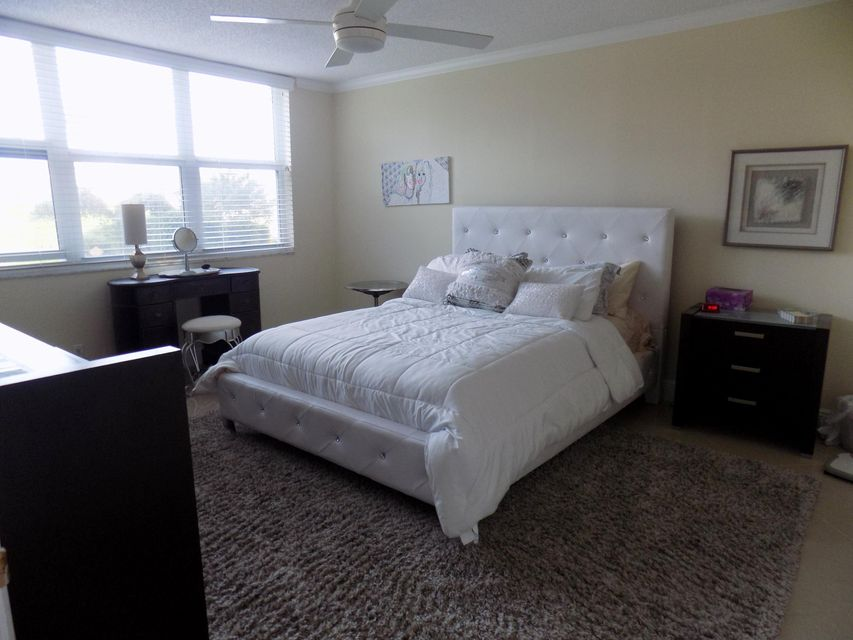 901 Gardenia Drive 176, Delray Beach, FL 33483