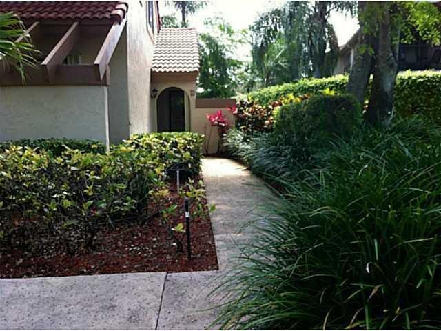 5521 Coach House Circle, Boca Raton, FL 33486