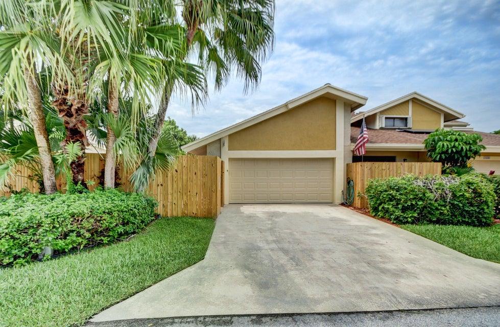 7835 Stanway Place W, Boca Raton, FL 33433