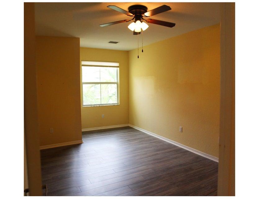 30-Mstr Bedroom 2
