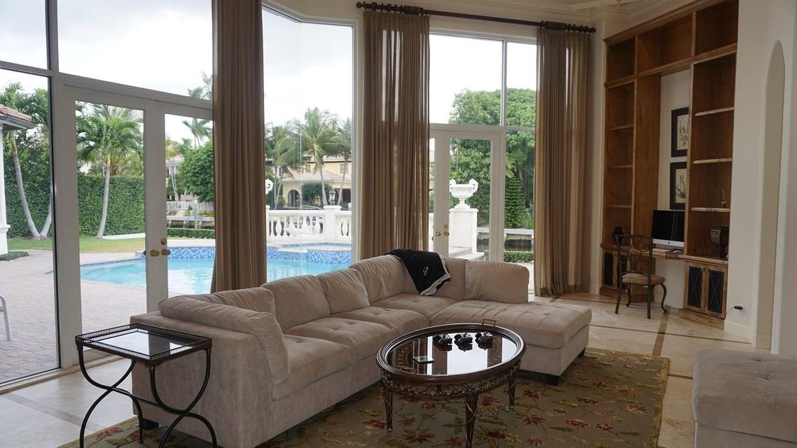 Additional photo for property listing at 159 W Coconut Palm Road 159 W Coconut Palm Road Boca Raton, Florida 33432 United States