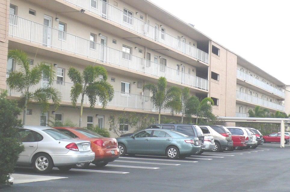 Cooperativa / condomínio para Venda às 2620 NE 1st Court 2620 NE 1st Court Boynton Beach, Florida 33435 Estados Unidos