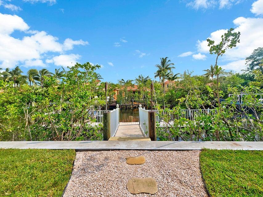 Waterway Manor Palm Beach Gardens