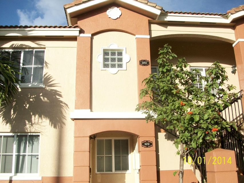 Co-op / Condominio por un Alquiler en 3500 Briar Bay Boulevard 3500 Briar Bay Boulevard West Palm Beach, Florida 33411 Estados Unidos