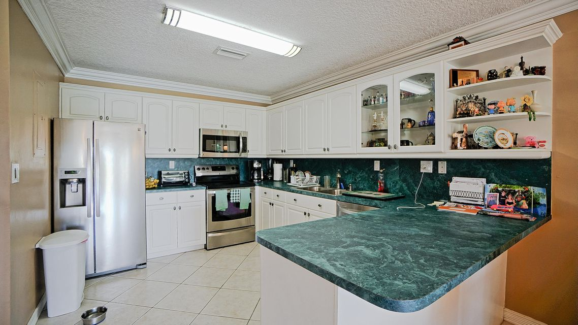 8904 SW 22nd Street is listed as MLS Listing RX-10341515 with 40 pictures