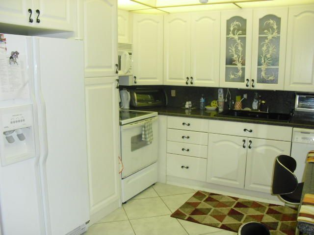 Additional photo for property listing at 2028 Hythe B 2028 Hythe B Boca Raton, Florida 33434 United States