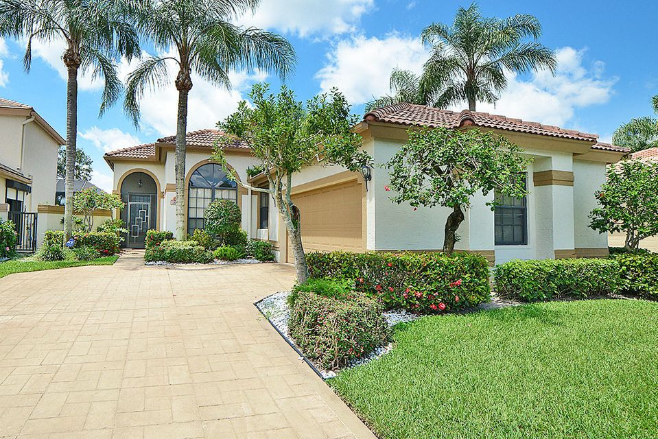 10033 Lexington Circle N, Boynton Beach, FL 33436