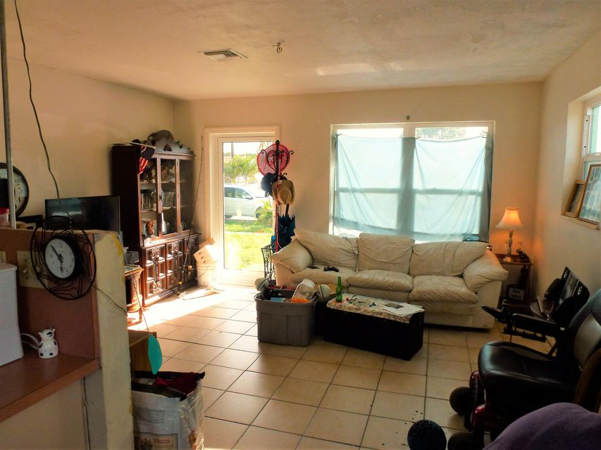 811 NW 68th Terrace, Hollywood, FL 33024
