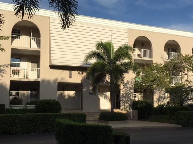 765 Jeffery Street 1-303, Boca Raton, FL 33487