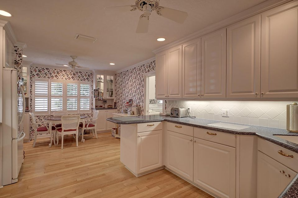 231  Thatch Palm Drive , Boca Raton FL 33432 is listed for sale as MLS Listing RX-10342348 photo #25
