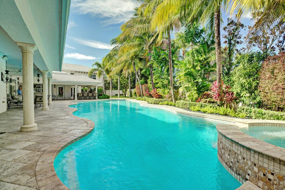 231  Thatch Palm Drive , Boca Raton FL 33432 is listed for sale as MLS Listing RX-10342348 photo #9