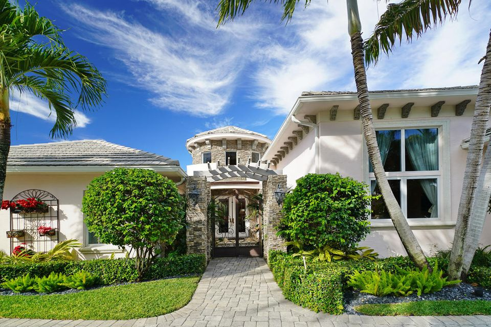 231  Thatch Palm Drive , Boca Raton FL 33432 is listed for sale as MLS Listing RX-10342348 photo #16