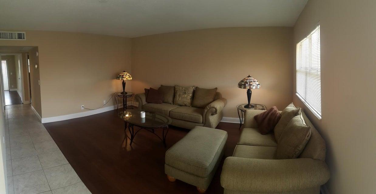 Co-op / Condominio por un Alquiler en 661 Flanders N 661 Flanders N Delray Beach, Florida 33484 Estados Unidos