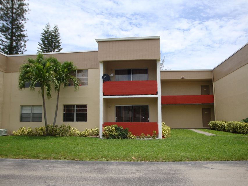 271 Bonnie Boulevard 114, Palm Springs, FL 33461