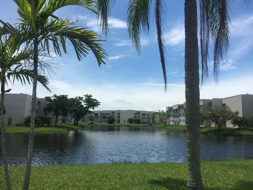 Co-op / Condo for Sale at 5901 NW 61 Avenue Tamarac, Florida 33319 United States