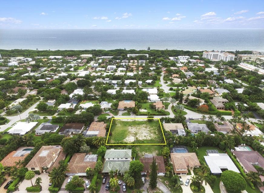 245 NE Spanish Court, Boca Raton, FL 33432