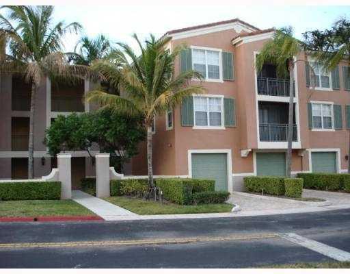 11770 St Andrews Place 105, Wellington, FL 33414