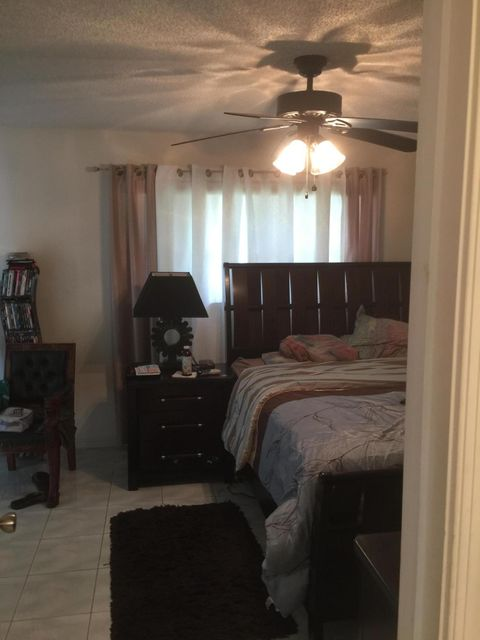 2560  Canterbury Drive , Riviera Beach FL 33407 is listed for sale as MLS Listing RX-10328945 photo #11