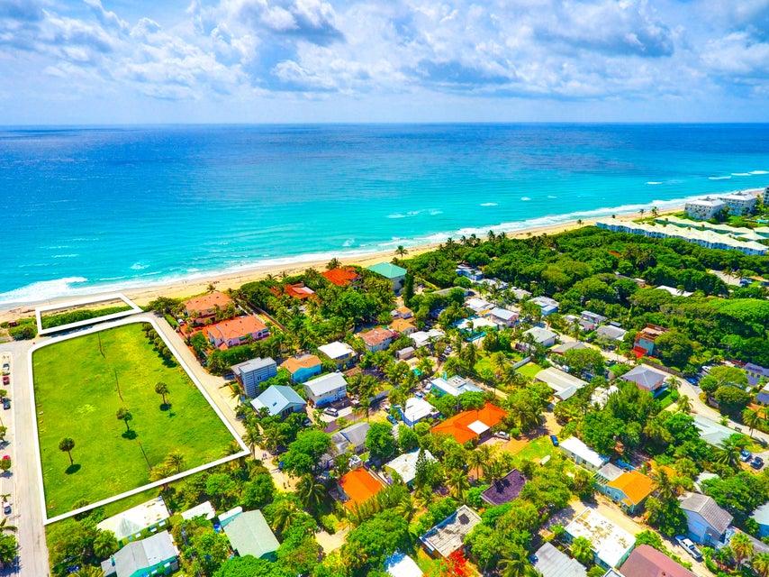 30  Briny Breezes Boulevard , Boynton Beach FL 33435 is listed for sale as MLS Listing RX-10342284 photo #3