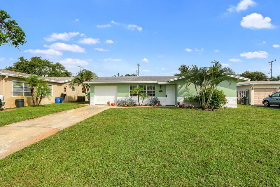 301 Camellia Street , Palm Beach Gardens FL 33410 is listed for sale as MLS Listing RX-10341792 20 photos