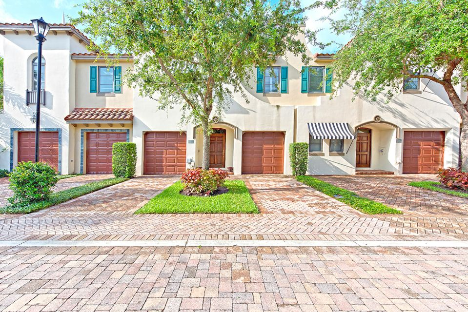 820 Via Villagio, Hypoluxo, FL 33462