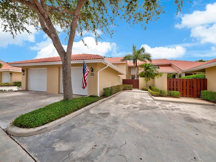 281 Old Meadow Way, Palm Beach Gardens, FL 33418