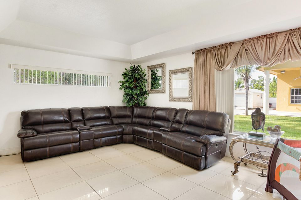 11512 Sunset Boulevard Royal Palm Beach, FL 33411 photo 11