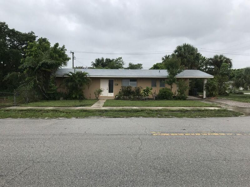 454 Bayberry Drive  West Palm Beach, FL 33403