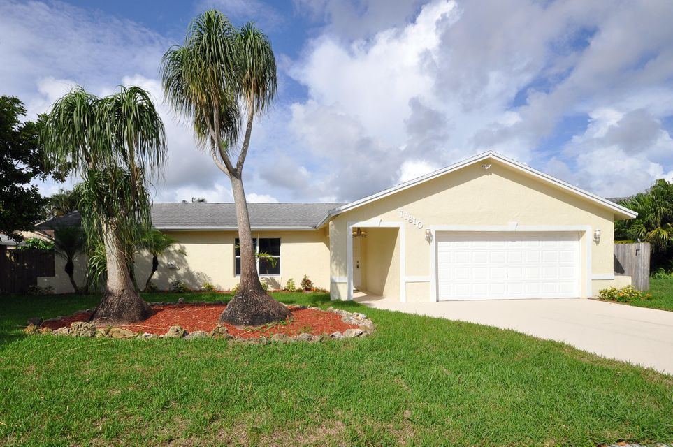11810 Greenbriar Circle, Wellington, FL 33414