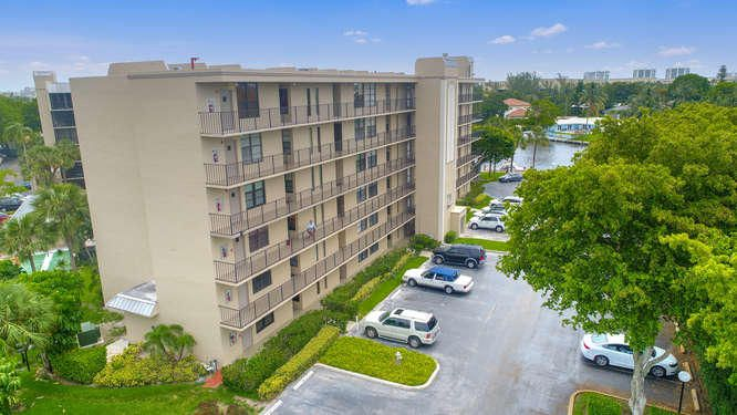 21 Royal Palm Way Unit 303-small-001-25-