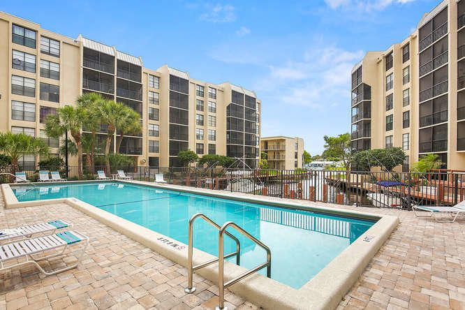 21 Royal Palm Way Unit 303-small-021-10-