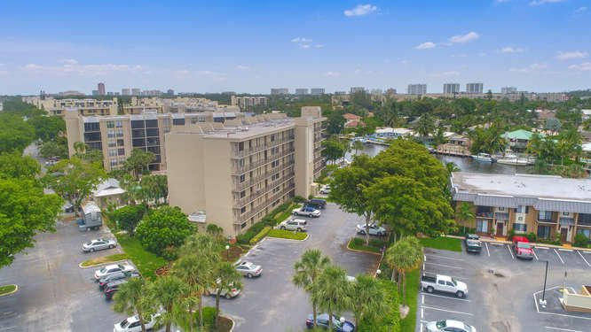 21 Royal Palm Way Unit 303-small-023-23-