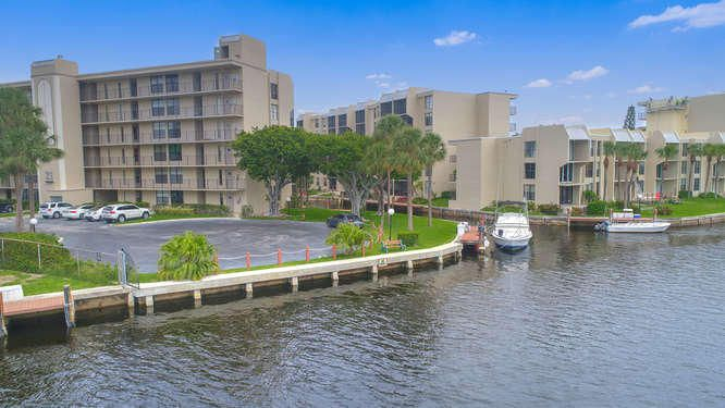 21 Royal Palm Way Unit 303-small-026-27-